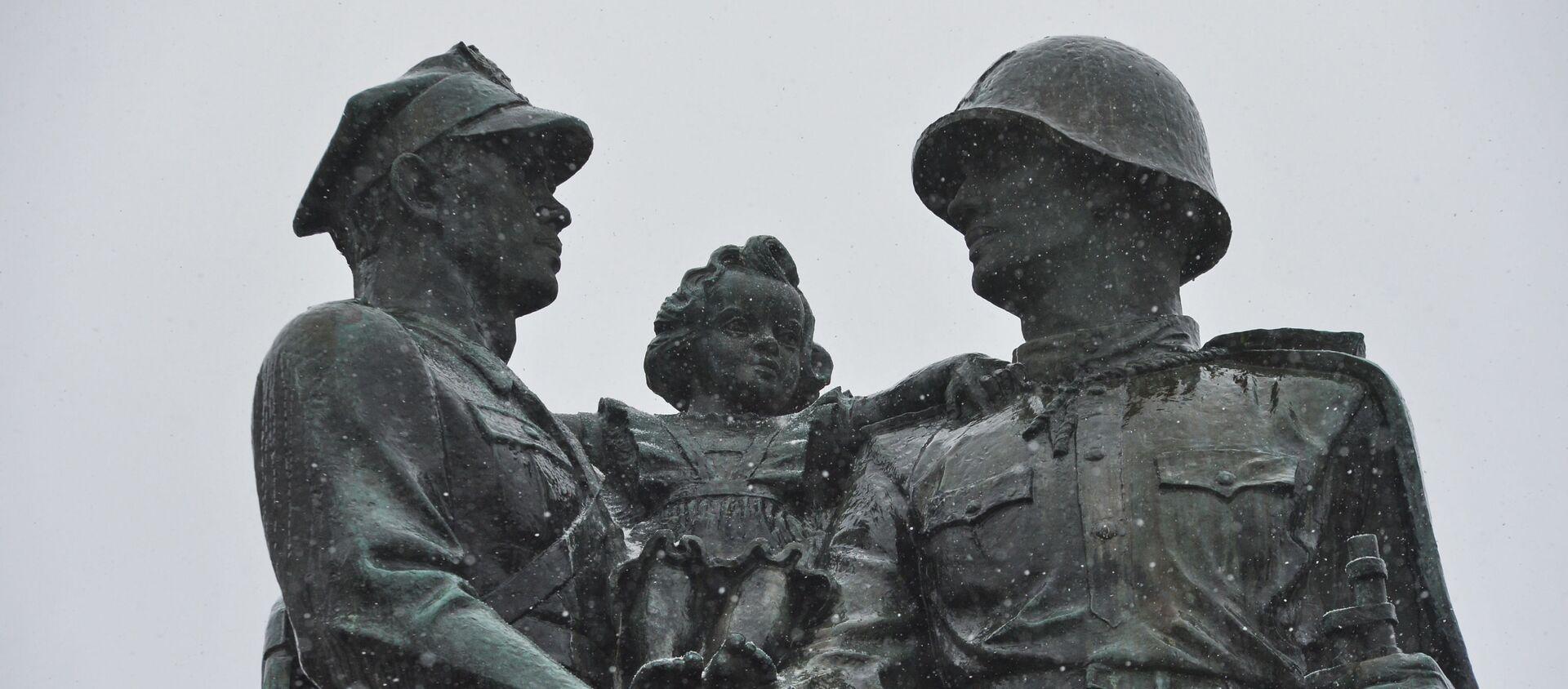 Pomnik braterstwa, Legnica - Sputnik Polska, 1920, 31.03.2021