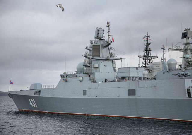 """Fregata projektu 22350 """"Admirał Kasatonow""""."""
