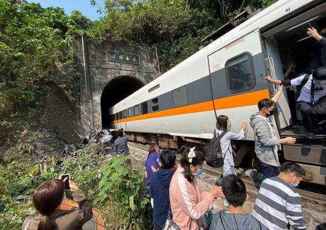 Pociąg pasażerski wykoleił się na Tajwanie