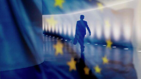 Pandemia koronawirusa przyczyniła się do likwidacji około 6 mln miejsc pracy w Unii Europejskiej.  - Sputnik Polska