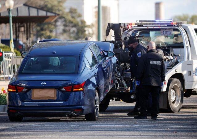 Niezidentyfikowany sprawca staranował samochód oficerów ochrony Kongresu USA w pobliżu punktu kontrolnego
