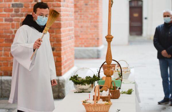Święcenie pokarmów wielkanocnych w Warszawie - Sputnik Polska