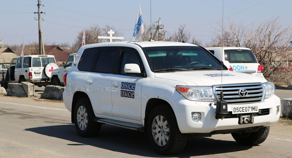 Samochody ONZ i OBWE w Doniecku