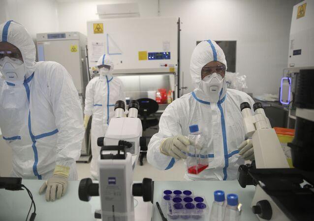 Laboratorium Valneva w Saint-Herblain we Francji.