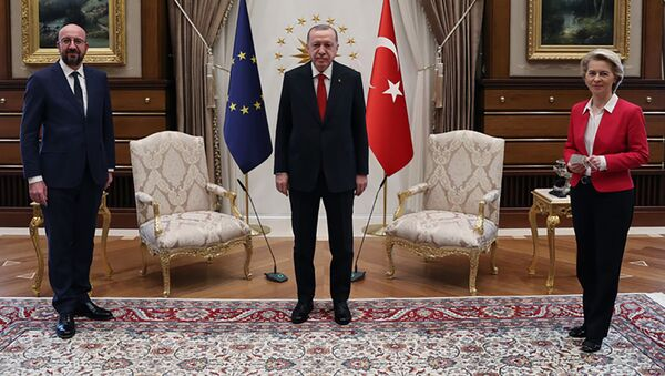 Spotkanie Recepa Tayyipa Erdogana z Ursulą von der Leyen i przewodniczącym Rady Europejskiej Charlesem Michelem w Ankarze - Sputnik Polska