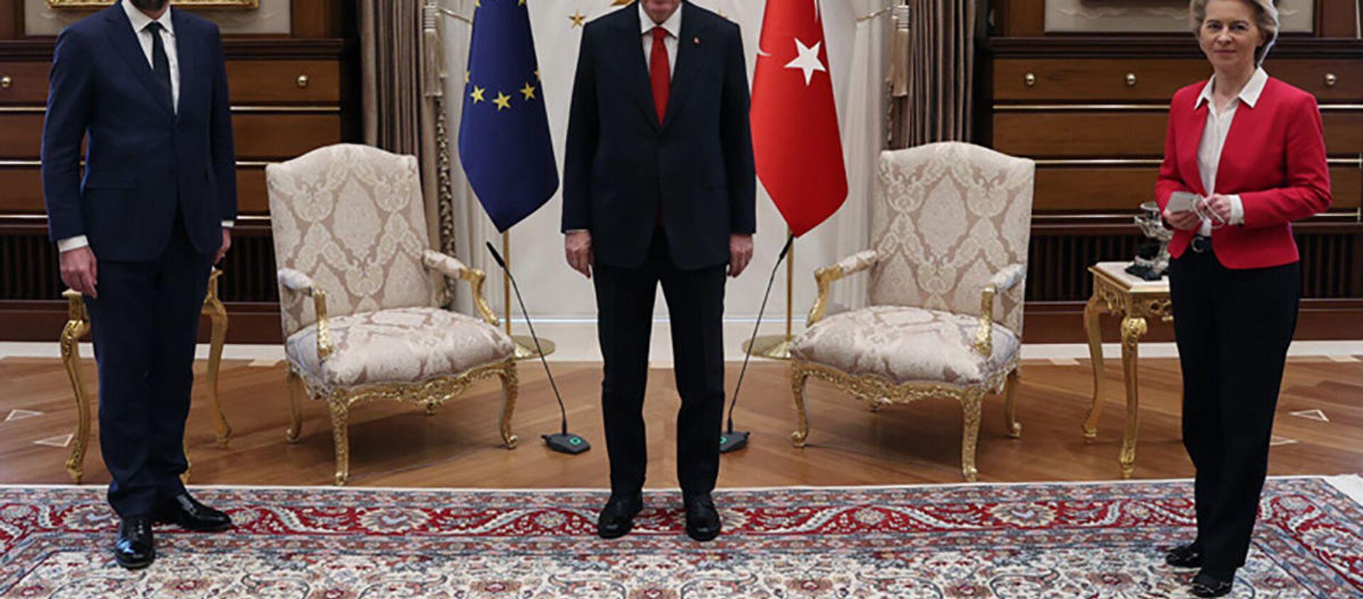 Spotkanie Recepa Tayyipa Erdogana z Ursulą von der Leyen i przewodniczącym Rady Europejskiej Charlesem Michelem w Ankarze - Sputnik Polska, 1920, 07.04.2021