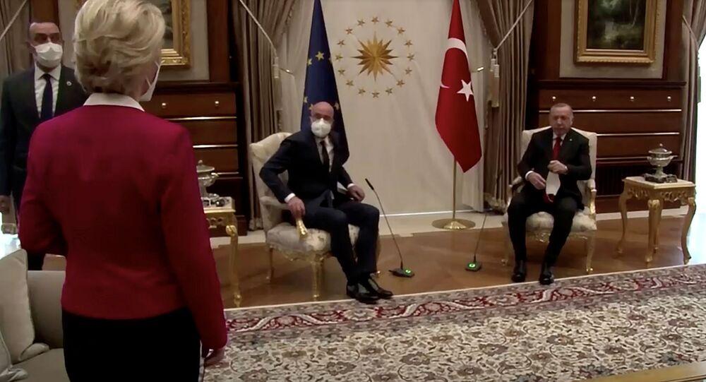 Spotkanie Recepa Tayyipa Erdogana z Ursulą von der Leyen i przewodniczącym Rady Europejskiej Charlesem Michelem w Ankarze