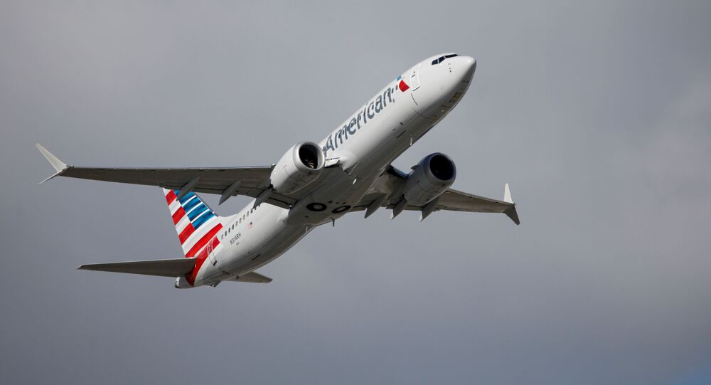 Samolot Boeing 737 MAX linii lotniczych American Airlines.