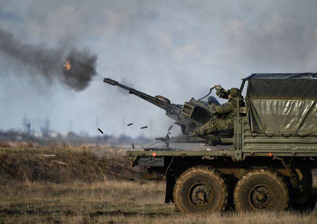 Żołnierze biorą udział w ćwiczeniach Opuk, Krym