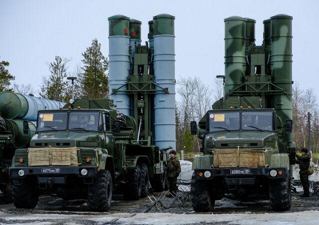 """System rakietowy przeciwlotniczych  S-300 """"Favorit"""""""