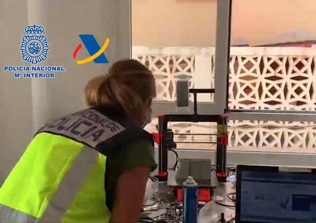 Hiszpańska policja odkryła na Teneryfie (Wyspy Kanaryjskie) warsztat, w którym broń była drukowana na drukarkach 3D.
