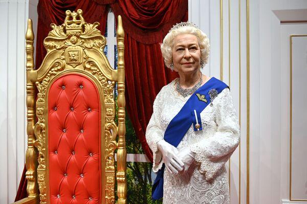 Figura woskowa brytyjskiej królowej Elżbiety II w Muzeum Figur Woskowych Deja Vu w Soczi - Sputnik Polska