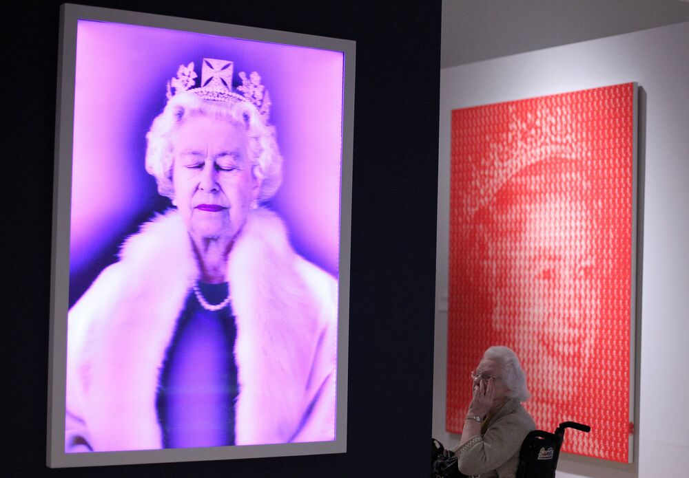 """Wystawa """"Królowa: sztuka i obraz"""" w Muzeum Ulsteru w Belfaście w Irlandii Północnej"""