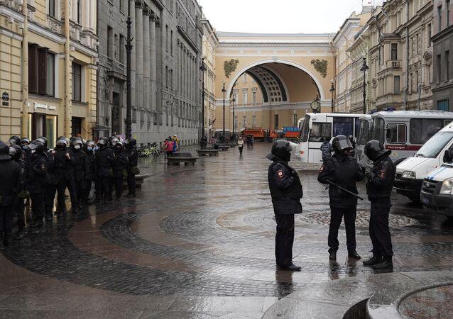 Nielegalne akcje protestacyjne w Petersburgu, 21.04.2021