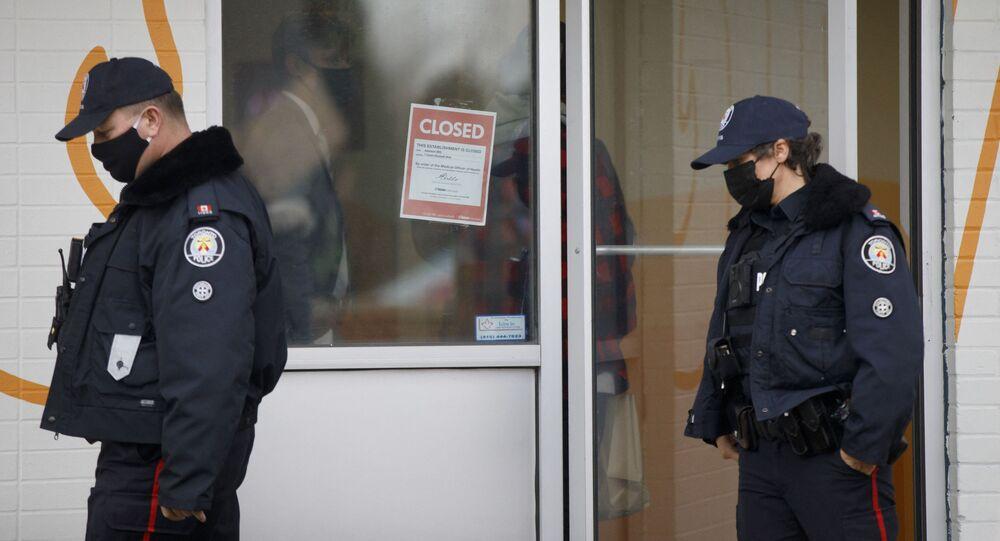 Funkcjonariusze policji w Toronto