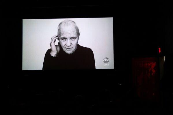Zdjęcie Anthony'ego Hopkinsa, który zdobył nagrodę dla najlepszego aktora, ale osobiście nie wziął udziału w rozdaniu Oscarów - Sputnik Polska