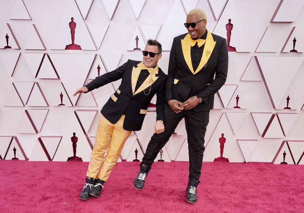 Reżyser filmowy Martin Desmond Roe i komik Travon Free na 93. ceremonii rozdania Oscarów w Los Angeles