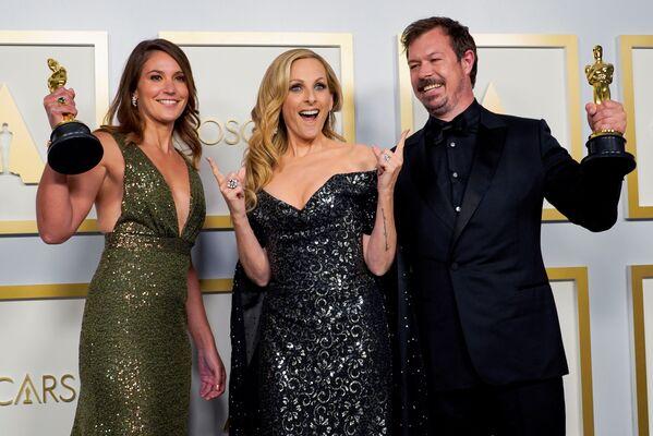 Laureaci statuetek za najlepszy pełnometrażowy film dokumentalny na 93. ceremonii rozdania Oscarów w Los Angeles - Sputnik Polska