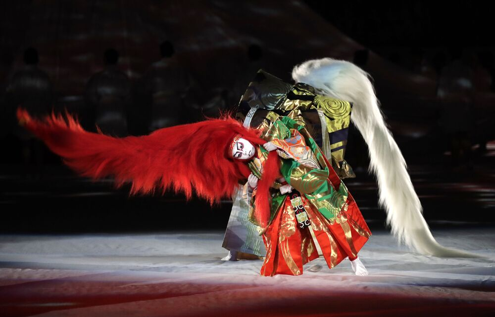 Artyści Kabuki biorą udział w ceremonii otwarcia Pucharu Świata w Rugby w Tokio w Japonii 20 września 2019 roku