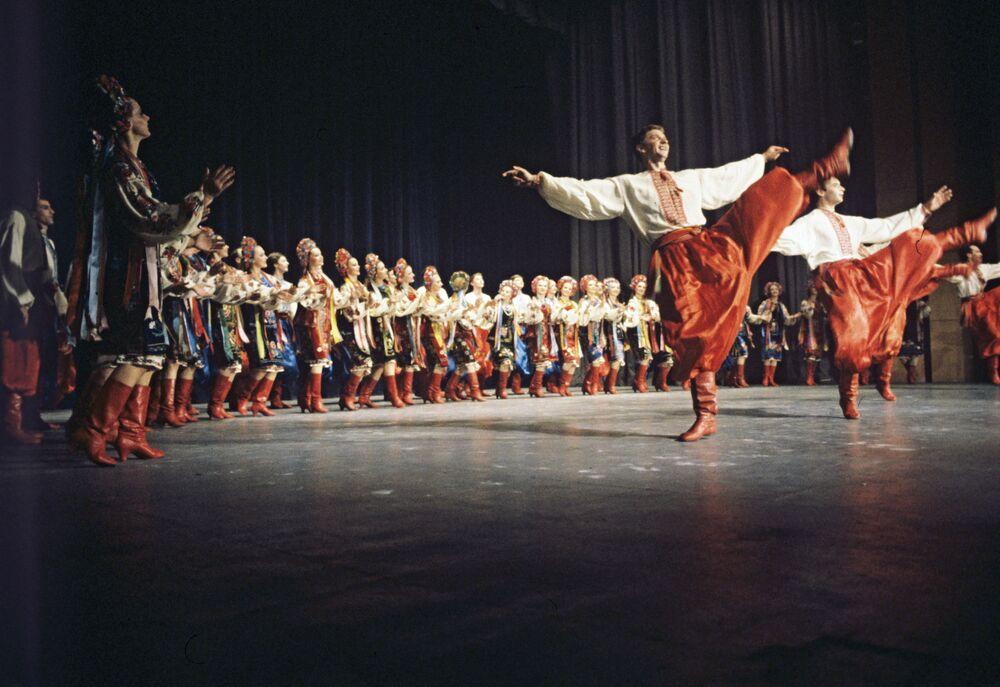 Gopak w wykonaniu Ukraińskiego Narodowego Akademickiego Baletu Pavel Virsky