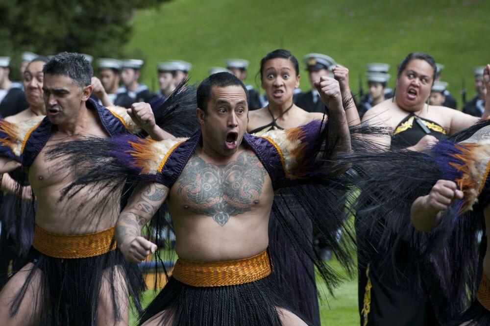 Haka to typowy taniec ludu Maorysów, pierwotnego pochodzenia etnicznego Nowej Zelandii
