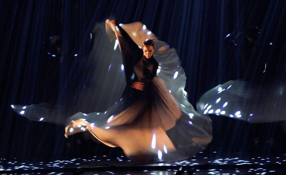 Tancerka flamenco z Ballet Flamenco Sara Baras podczas festiwalu flamenco w Nowym Jorku, 2019 rok