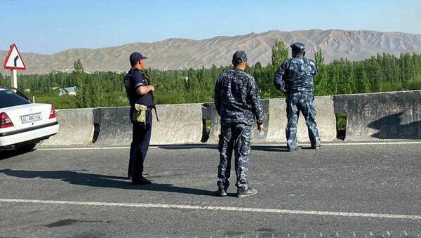 Funkcjonariusze MSW Kirgistanu w strefie przygranicznej. - Sputnik Polska