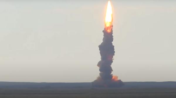 Start nowej rakiety na poligonie Sary-Szagan - Sputnik Polska