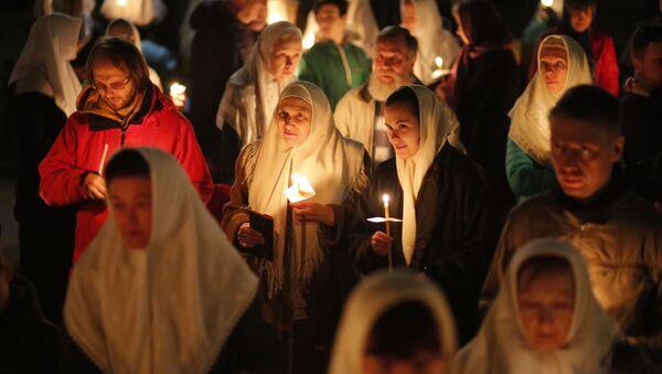 Nabożeństwo wielkanocne w katedrze Chrystusa Zbawiciela w Moskwie - Sputnik Polska