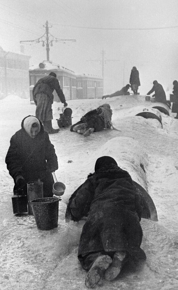Leningrad podczas blokady, 1942 rok - Sputnik Polska