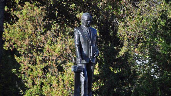 Pomnik Lecha Kaczyńskiego w Siedlcach - Sputnik Polska