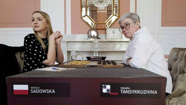 Warcabistki Natalia Sadowska i Tamara Tansykkuzhina.  - Sputnik Polska