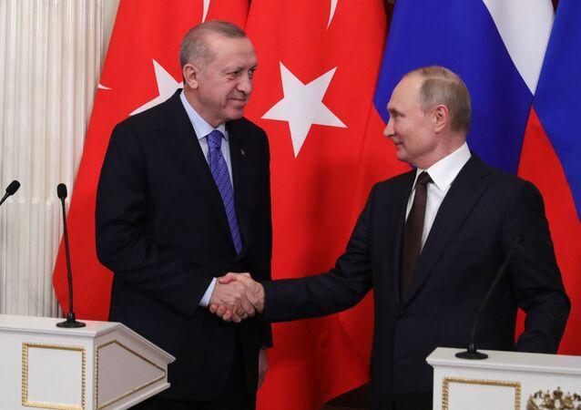 Prezydent Rosji Władimir Putin i prezydent Turcji Recep Tayyip Erdoğan.