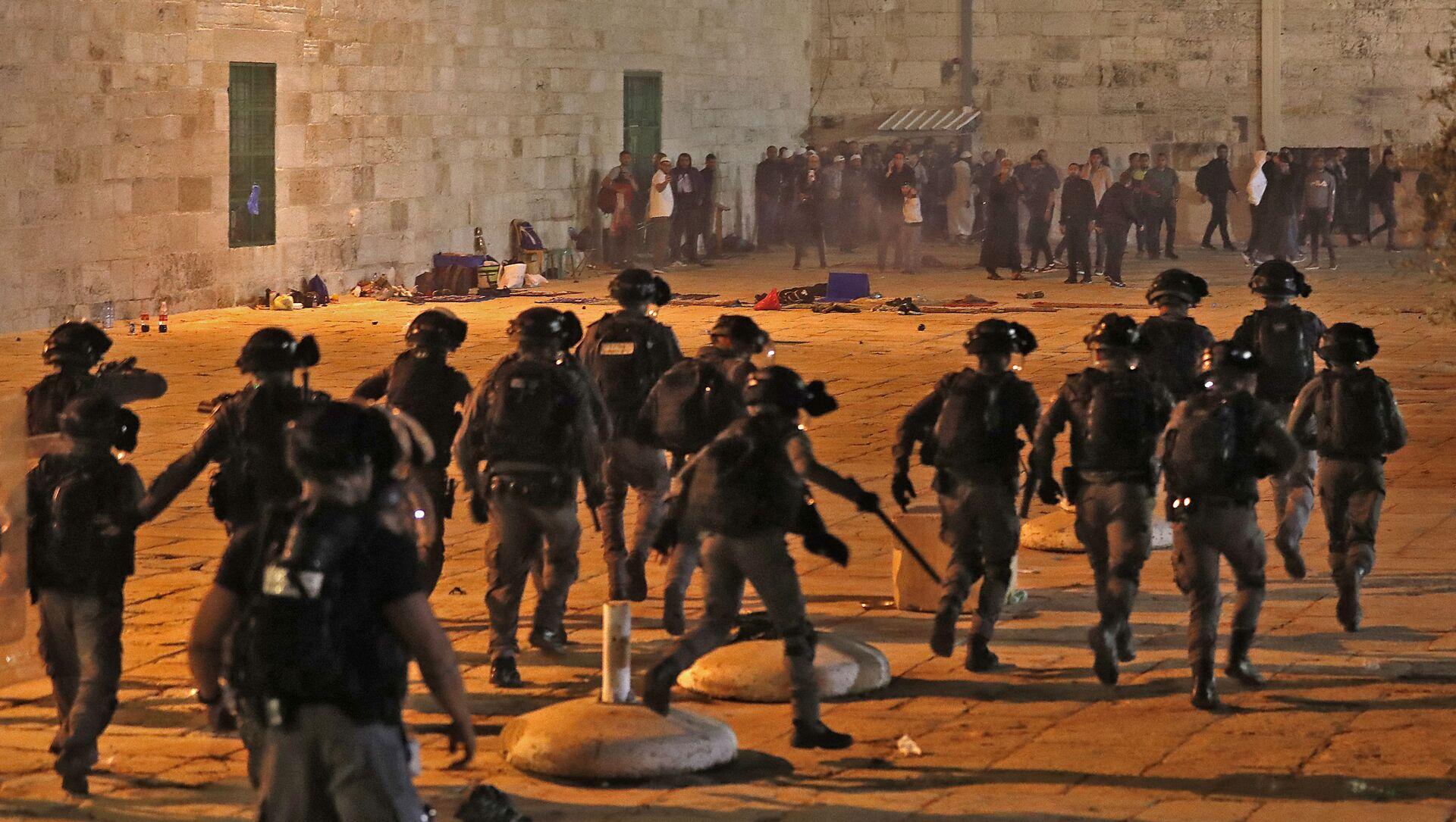 Starcia między Palestyńczykami a izraelską policją w Jerozolimie - Sputnik Polska, 1920, 10.05.2021