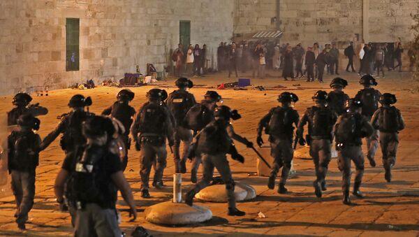 Starcia między Palestyńczykami a izraelską policją w Jerozolimie - Sputnik Polska