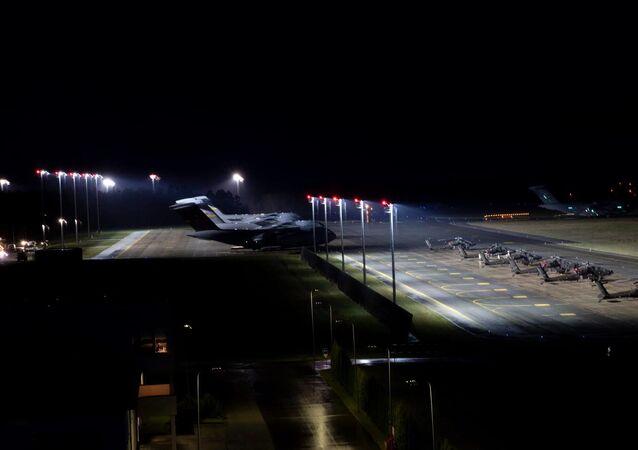 Ponad 700 żołnierzy 82. Dywizji Powietrznodesantowej Stanów Zjednoczonych wylądowało na lotnisku miasta Nurmsi w Estonii.