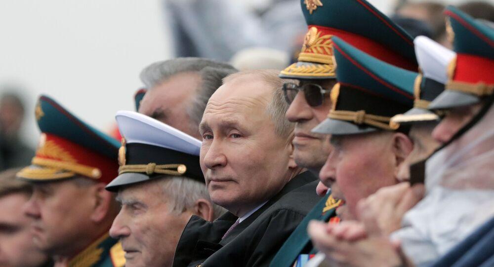 Prezydent Rosji podczas defilady wojskowej na Placu Czerwonym