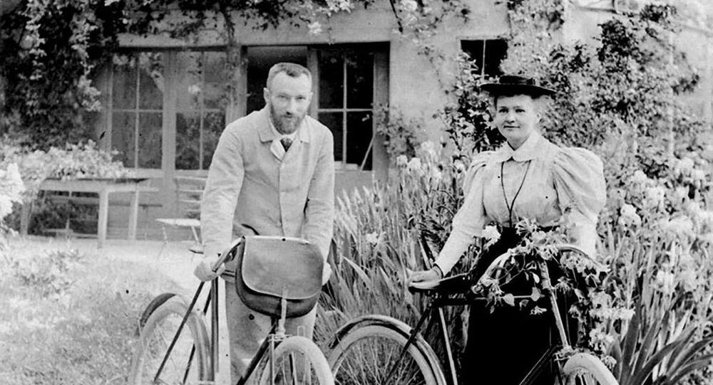 Maria Skłodowska-Curie z mężem Pierre'em Curie