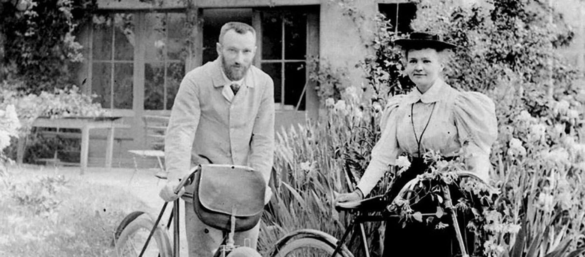 Maria Skłodowska-Curie z mężem Pierre'em Curie - Sputnik Polska, 1920, 11.05.2021