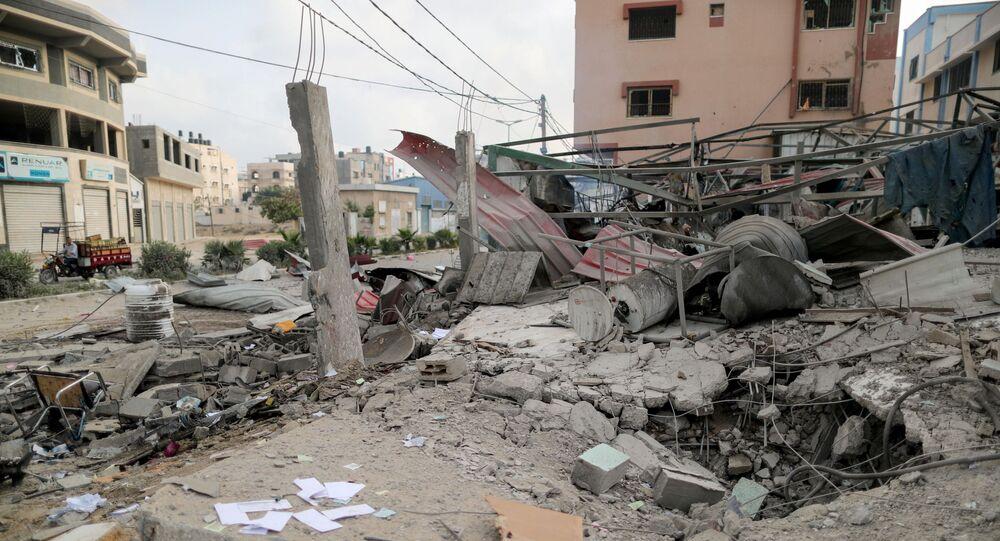 Ruiny w mieście Gaza, które zostało ostrzelane przez izraelską armię