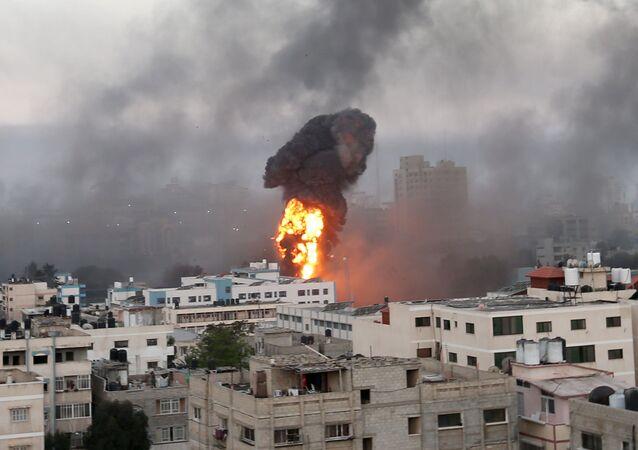 Izrael dokonuje nalotów na Gazę