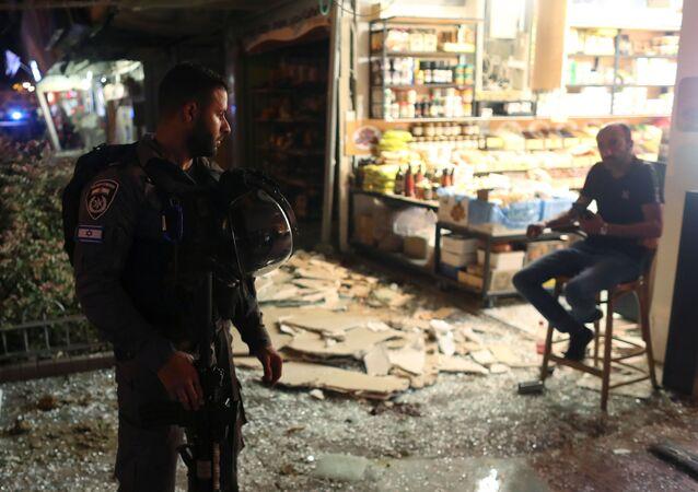 Skutki ostrzału miasta Holon