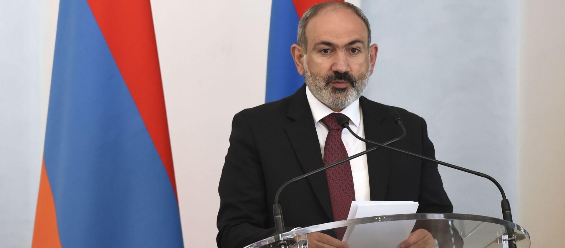 Pełniący obowiązki premiera Armenii Nikol Paszynian - Sputnik Polska, 1920, 20.05.2021