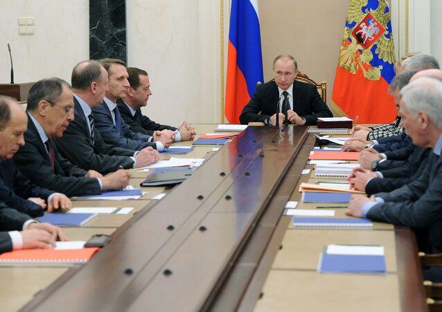 Prezydent Rosji Władimir Putin na posiedzeniu Rady Bezpieczeństwa Narodowego na Kremlu.