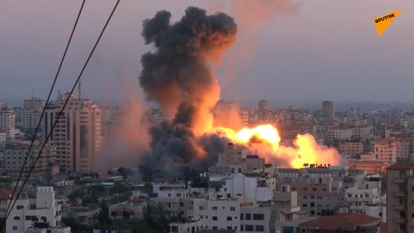 Palestyna: izraelskie naloty uderzyły w kompleks powiązany z Hamasem w Strefie Gazy  - Sputnik Polska
