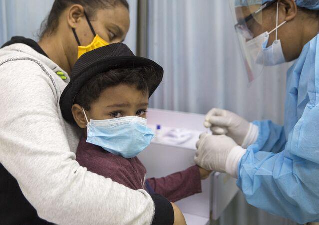 Test na koronawirusa u dziecka