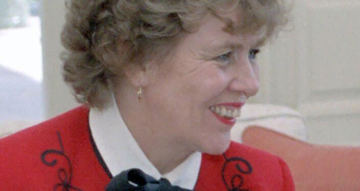 Suzanne Massie.