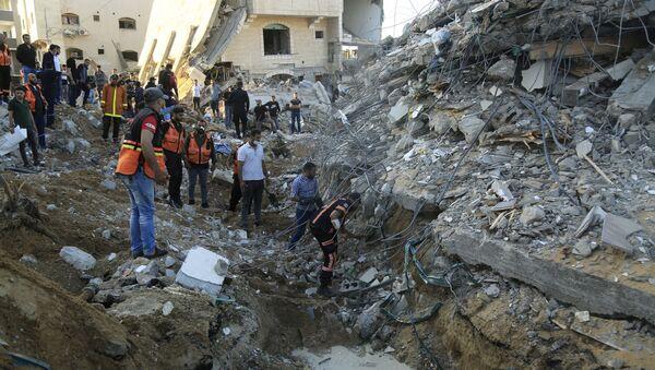 Dom na północy Strefy Gazy zniszczony w izraelskim nalocie. - Sputnik Polska