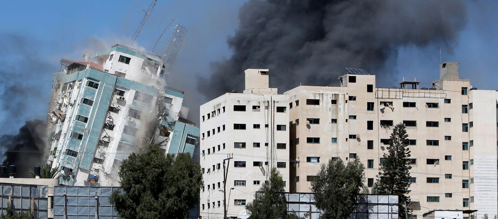 Izrael zbombardował siedzibę AP i innych mediów w Gazie - Sputnik Polska, 1920, 21.05.2021