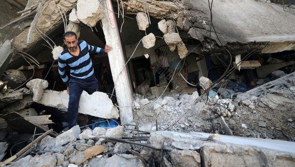 Konsekwencje izraelskich nalotów na Strefę Gazy. - Sputnik Polska